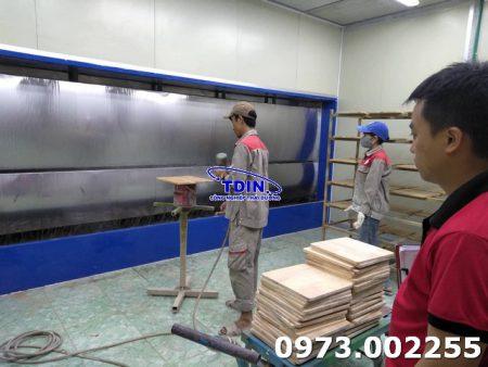 buồng sơn máng nước phun nội thất
